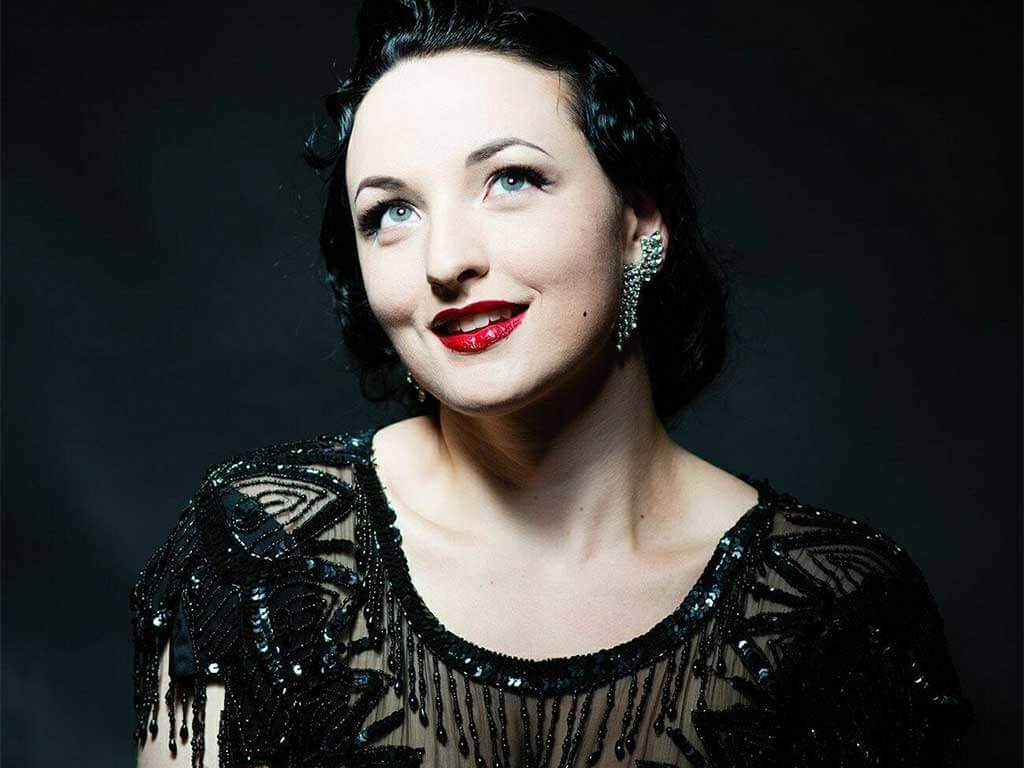 Leena Allure, Burlesque Performer